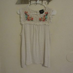 Anthropologie (W5) Floral embroidery Tank XL